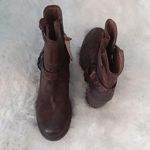 Women size 9 boots